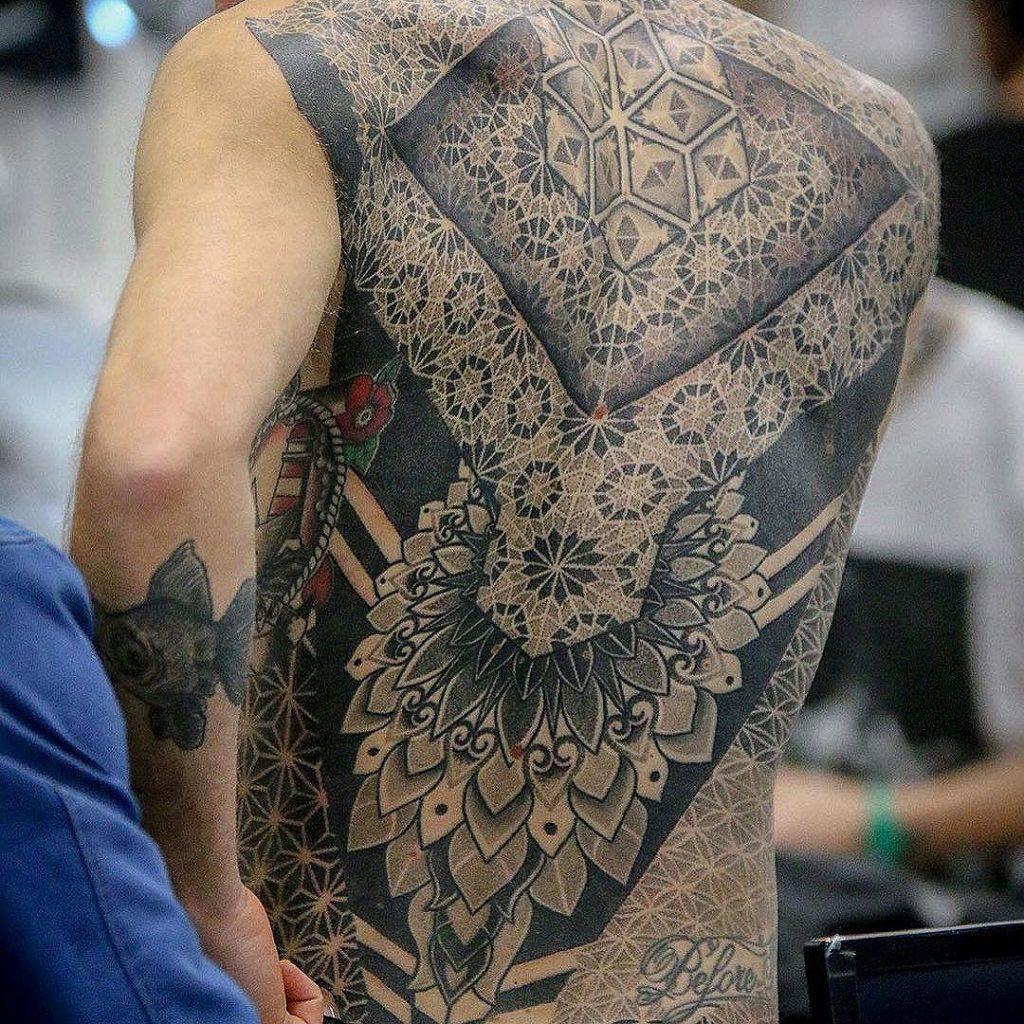 tatuaggio le sacre linee