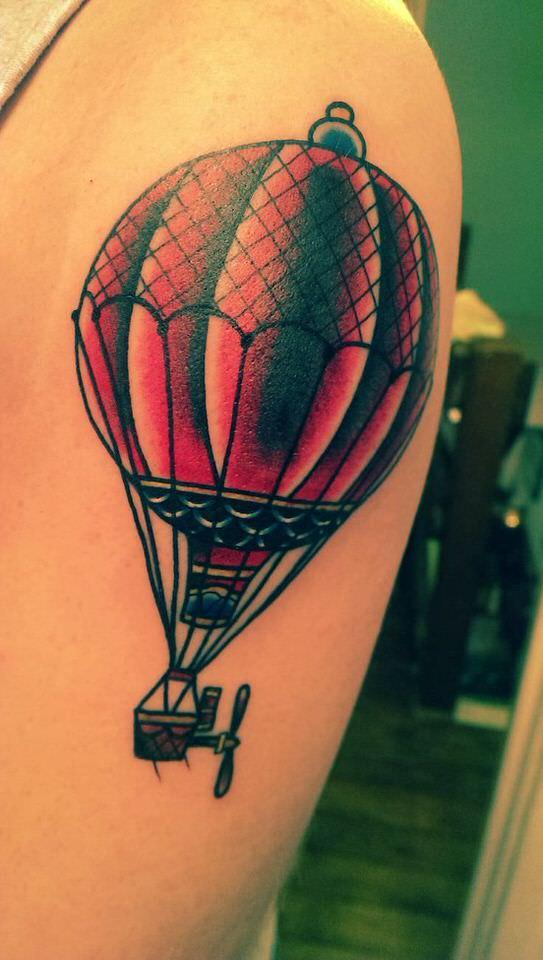 tatuaggio mongolfiera old school